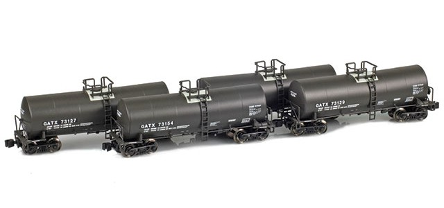 AZL 903811-1 GATX 17,600 Gallon Tank Car Runner Pack