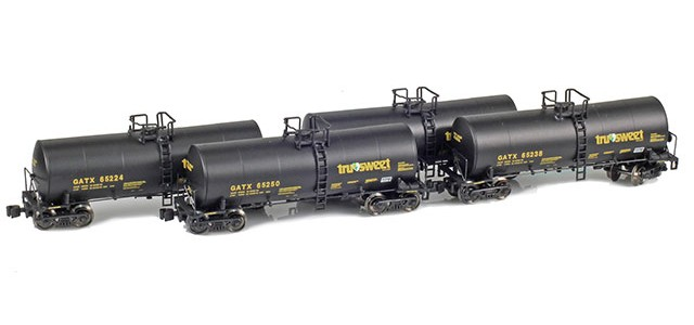 AZL 903812-1 GATX | Tru-Sweet 17,600 Gallon Tank Car Runner Pack