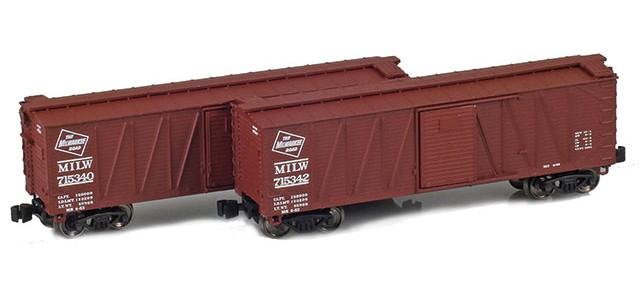 AZL 903172-1 40' Milwaukee Outside Braced Boxcar | 2-Car Set