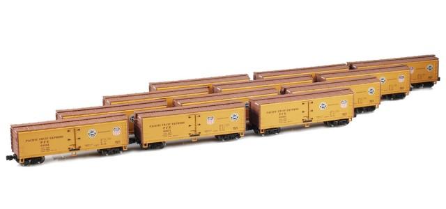 AZL 900801-6 40' PFE Wooden Reefer Set UP/SP Logo On Both Sides | 12-Car Set