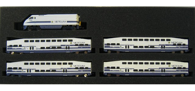 AZL 7003-2 F59PHI Metrolink Full Set | Bombardier Cars #885