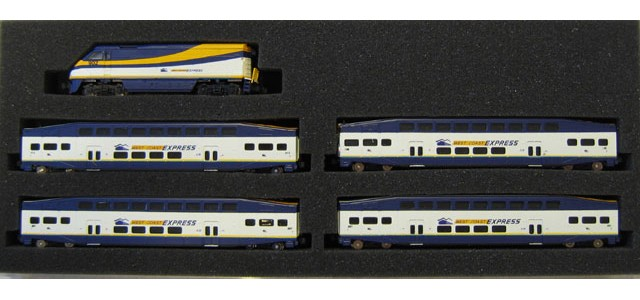 AZL 7007-1 F59PHI West Coast Express Full Set | Bombardier Cars #902