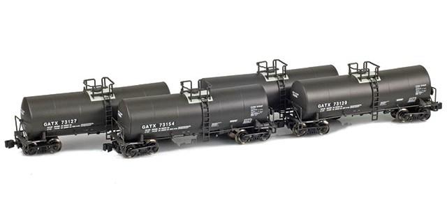 AZL 903811-1 GATX 17,600 Gallon Tank Car Runner Pack