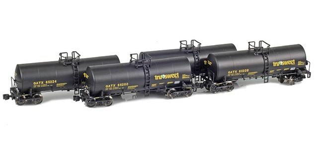 AZL 903812-1 GATX | Tru-Sweet 17,600 Gallon Tank Car Runner Pack