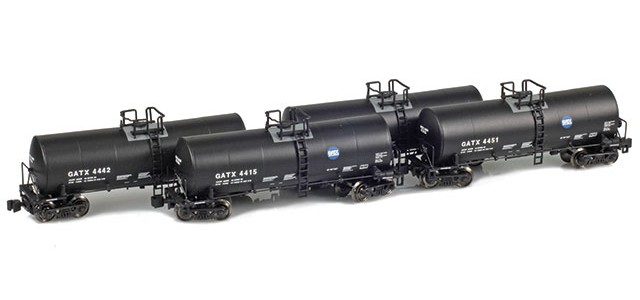 AZL 903813-1 GATX | Service Driven Logo 17,600 Gallon Tank Car Runner Pack