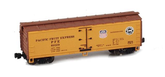 AZL 910801-2 40' PFE Wooden Reefer UP/SP Logo On Both Sides #60129