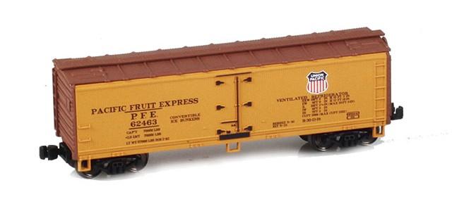 AZL 910802-2 40' PFE Wooden Reefer UP/SP Logo On Alternate Sides #62463