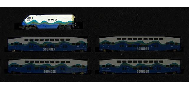 AZL 6005-1 Sounder F59PHI #902   Locomotive Only